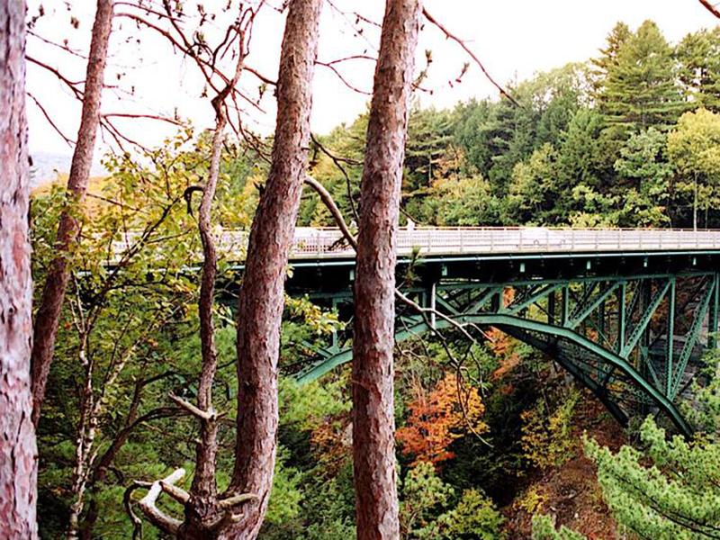 photo of Quechee Gorge Bridge